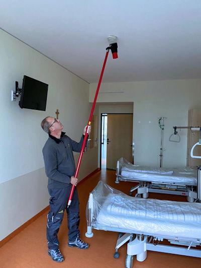 Wartung Brandmeldeanlage mit Prüfung Rauchmelder im Krankenhaus